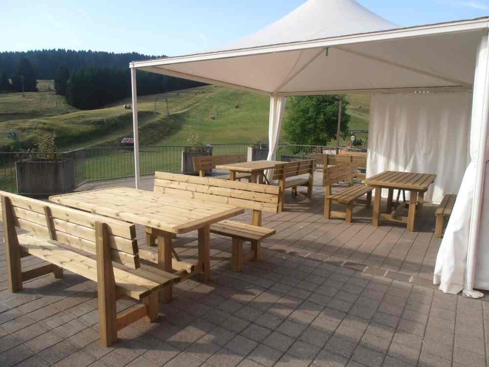 Tavoli e panche - Tavoli legno da esterno ...