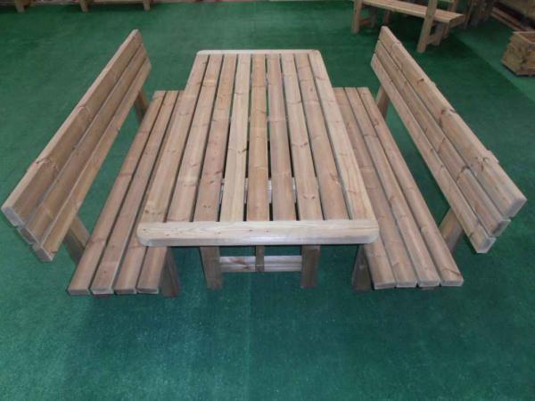 Realizzazione tavoli e panche in legno da giardino romax for Tavoli esterno legno